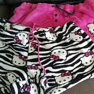 2 pairs of hello Kitty shorts